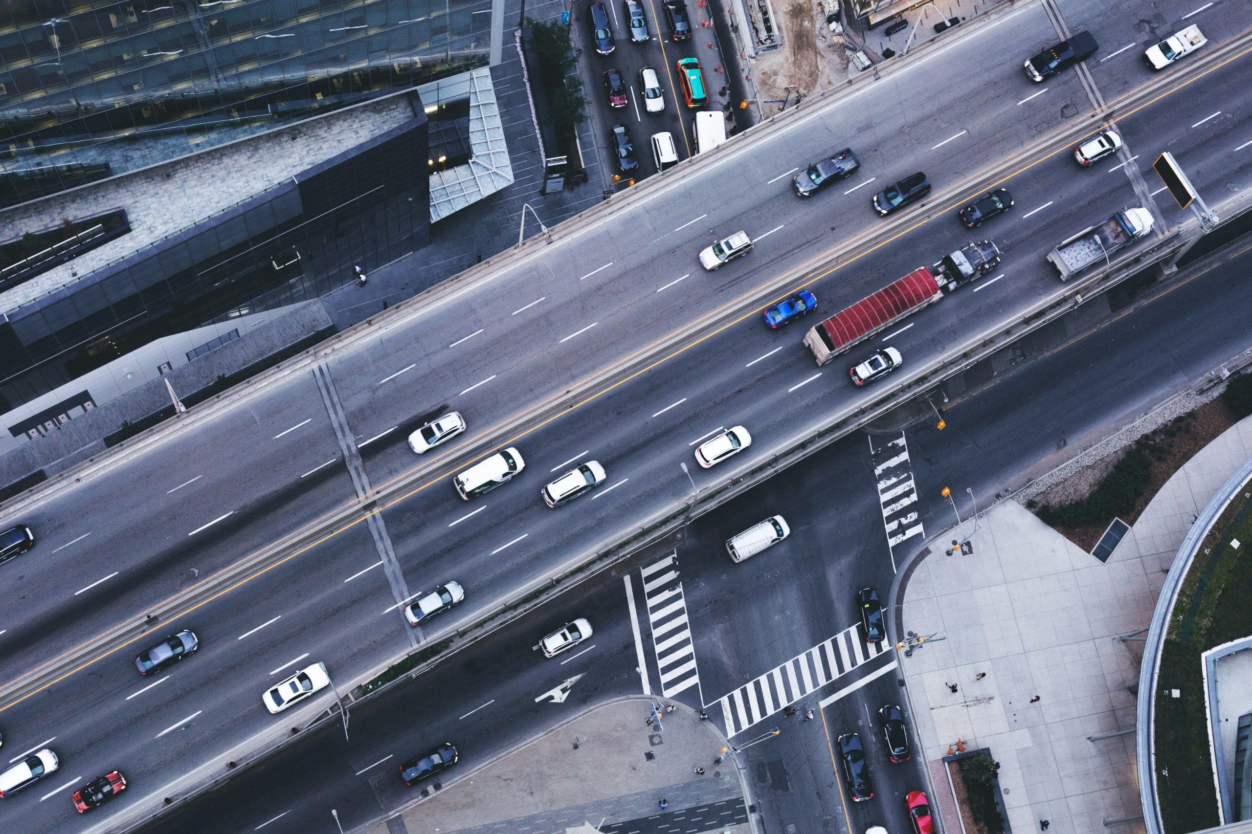Fabbricati in aree di servizio dismesse della rete stradale. Variazione categoria catastale.
