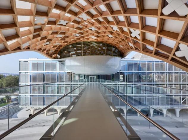 Swatch apre nuova sede: la struttura in legno è tra le più grandi al mondo!